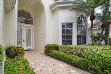 Home for Sale at 128 Windward Drive, Palm Beach Gardens FL 33418