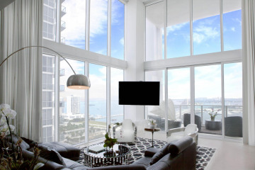Home for Sale at 1040 Biscayne Boulevard #2704, Miami FL 33132