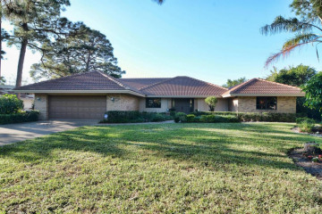 Home for Sale at 4380 Hickory Drive, Palm Beach Gardens FL 33418