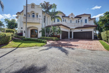 Home for Sale at 3700 NE 27th Avenue, Lighthouse Point FL 33064