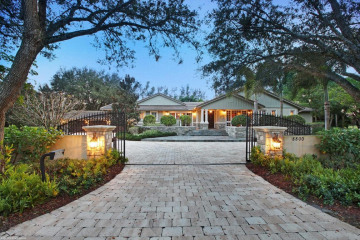 Home for Sale at 8800 NW 70th Court, Parkland FL 33067