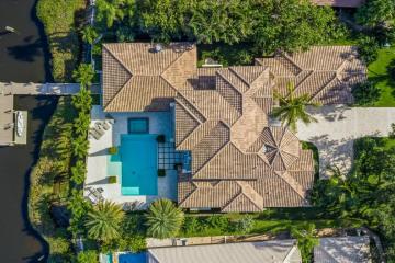 Home for Sale at 110 Quayside Drive, Jupiter FL 33477