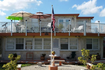 Home for Sale at 601 S Ocean Drive, Hutchinson Island FL 34949