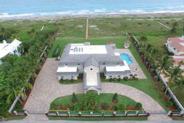 Home for Sale at 477 S Beach Road, Hobe Sound FL 33455