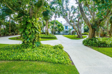 Home for Sale at 12400 Plantation Lane, North Palm Beach FL 33408