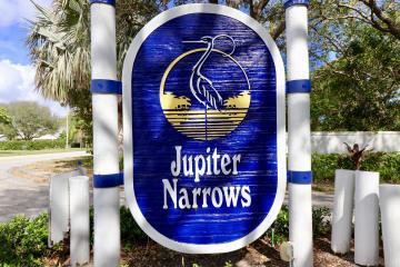 Home for Sale at 10370 SE Jupiter Narrows Drive, Hobe Sound FL 33455