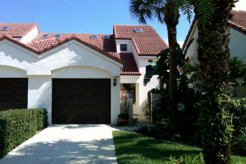 Home for Sale at 508 Sea Oats Drive #B-4, Juno Beach FL 33408