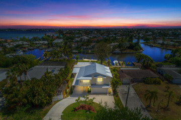 Home for Sale at 117 SW Riverway Boulevard, Palm City FL 34990