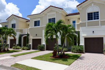 Home for Sale at 6274 SE Fauna Terrace #6-604, Hobe Sound FL 33455