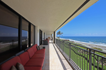 Home for Rent at 19750 Beach Road #303 & 304, Tequesta FL 33469