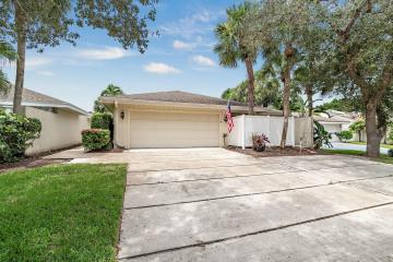 Home for Rent at 17105 Bay Street, Jupiter FL 33477