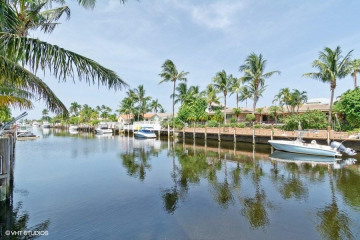 Home for Sale at 4130 NE 23rd Avenue, Lighthouse Point FL 33064