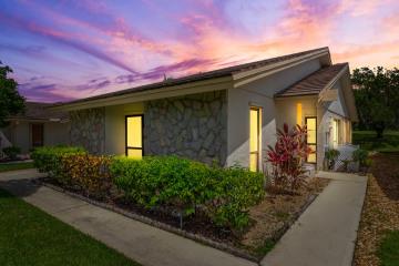 Home for Sale at 2531 SW Egret Pond Circle, Palm City FL 34990