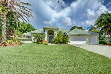 Home for Sale at 8867 SE Marina Bay Drive, Hobe Sound FL 33455
