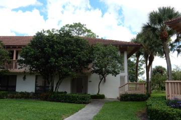 Home for Rent at 352 Brackenwood Circle, Palm Beach Gardens FL 33418