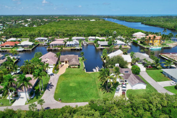 Home for Sale at 9347 SE Mast Terrace, Hobe Sound FL 33455