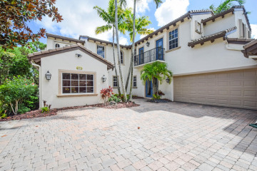 Home for Rent at 910 Mill Creek Drive, Palm Beach Gardens FL 33410