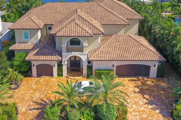 Home for Sale at 14062 Paradise Point Road, Palm Beach Gardens FL 33410