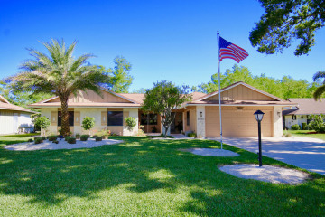 Home for Sale at 8145 SE Cypress Point Place, Hobe Sound FL 33455