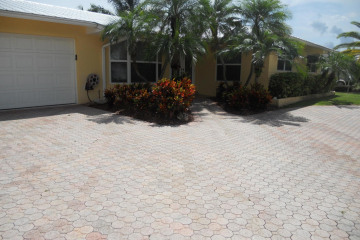 Home for Rent at 917 DolPHin Drive, Jupiter FL 33458