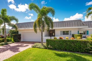 Home for Sale at 2832 SE Fairway W #B9, Stuart FL 34997