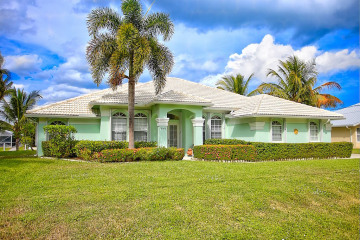 Home for Sale at 9145 SE Delafield Street, Hobe Sound FL 33455