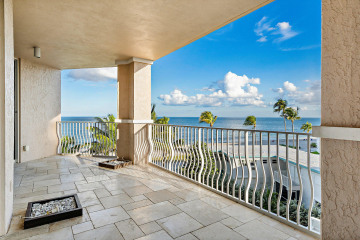 Home for Sale at 1460 S Ocean Boulevard #403, Lauderdale By The Sea FL 33062