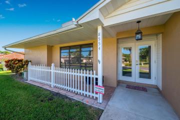 Home for Sale at 8554 SE Seagrape Way, Hobe Sound FL 33455
