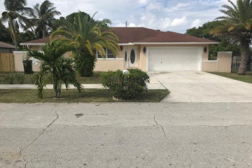 Home for Sale at 306 SW Sw 6th Avenue, Delray Beach FL 33444