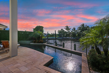 Home for Sale at 13877 Willow Cay Drive, North Palm Beach FL 33408