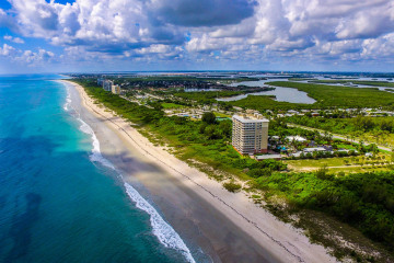 Home for Sale at 4203 N Highway A1A, Hutchinson Island FL 34949