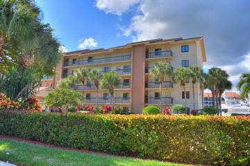 Home for Rent at 1301 Seafarer Circle #305, Jupiter FL 33477