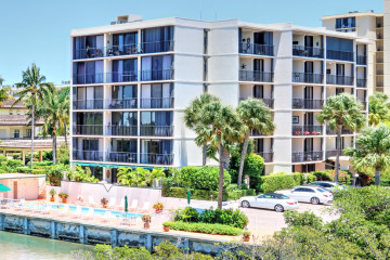 Home for Rent at 225 Beach Road #405, Tequesta FL 33469