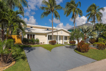 Home for Sale at 4011 NE 26th Avenue, Lighthouse Point FL 33064