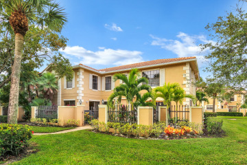 Home for Rent at 390 Prestwick Circle #1, Palm Beach Gardens FL 33418