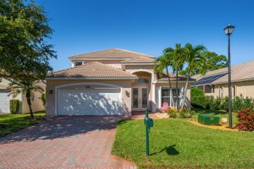 Home for Sale at 12240 SE Plandome Drive, Hobe Sound FL 33455