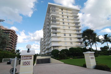 Home for Sale at 500 Ocean Drive #W-10A, Juno Beach FL 33408