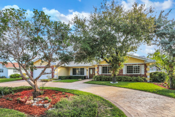 Home for Sale at 4430 NE 30th Terrace, Lighthouse Point FL 33064