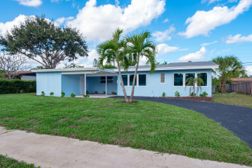Home for Sale at 808 Cinnamon Road, North Palm Beach FL 33408