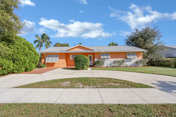 Home for Sale at 736 Prosperity Farms Road, North Palm Beach FL 33408