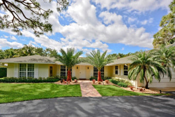 Home for Rent at 291 Country Club Drive, Tequesta FL 33469