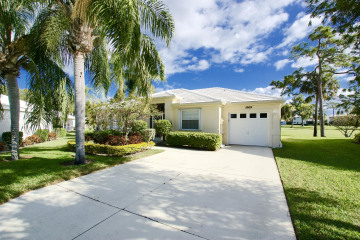 Home for Sale at 18109 SE Fairview Circle, Tequesta FL 33469