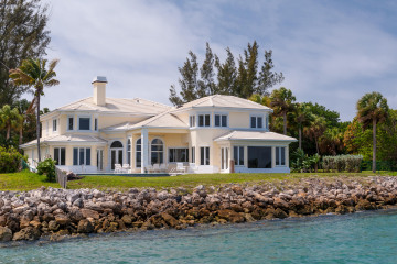 Home for Sale at 305 Indian Road, Palm Beach FL 33480