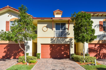 Home for Sale at 4719 N Prive Circle, Delray Beach FL 33445