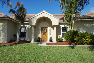 Home for Sale at 33 Chestnut Trail, Tequesta FL 33469