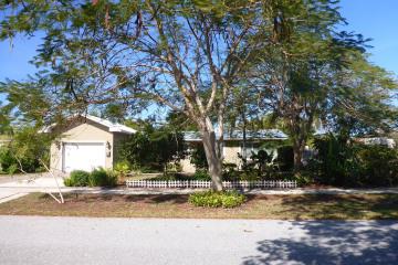 Home for Sale at 816 Cinnamon Road, North Palm Beach FL 33408