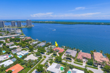 Home for Sale at 848 Lakeside Drive, North Palm Beach FL 33408