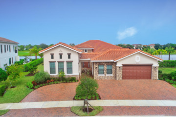 Home for Sale at 10405 N Barnsley Drive, Parkland FL 33076