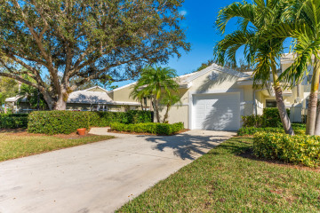 Home for Sale at 2425 SW Foxpoint Trail, Palm City FL 34990