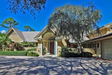 Home for Sale at 18106 SE Village Circle, Tequesta FL 33469